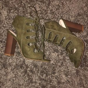 BRAND NEW OLIVE GREEN LACE UP HEELS